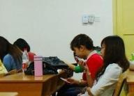 报告:我国未成年人触网呈低龄化,超六成小学生有手机