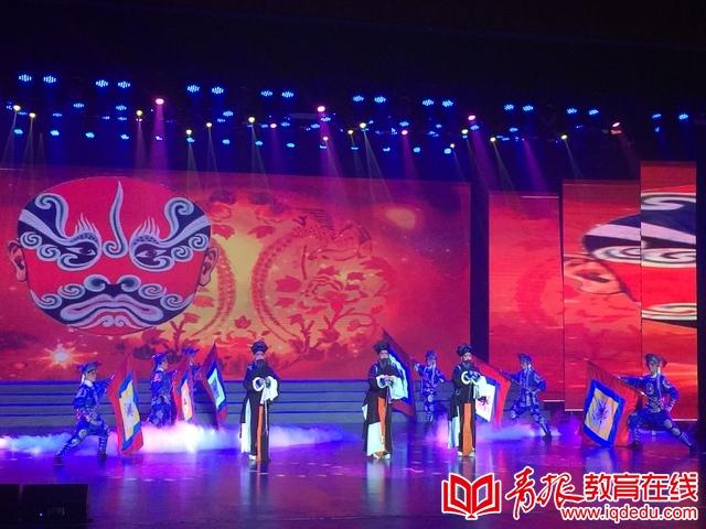 青岛艺术学校:艺术之花绽放  献礼教师节