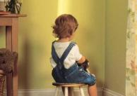"""男孩爱哭长大太""""娘""""?专家解读:幼儿园爱哭不影响男孩成长"""