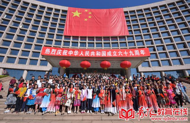 青青益行 | 崂山二中志愿者义卖报纸奉献爱心