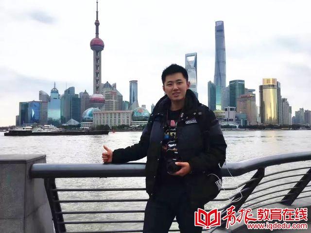 操场上的执着——崂山区第三实验小学体育老师王骏业