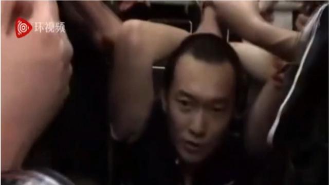 致敬!在香港遭暴徒殴打的记者付国豪系海大毕业生,师生校友集体声援