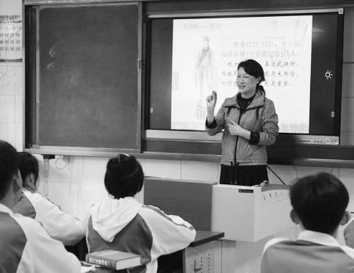 痴情守护33年的特教老师张俐  生命和失语孩子紧紧相连