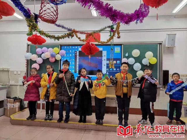 青岛市实验小学2017级一班:魔法暖冬雪 欢乐迎新年