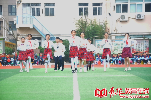 全军出击!崂山区中韩小学运动会开幕式现场超精彩